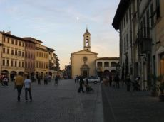 main-square-of-figline.jpg